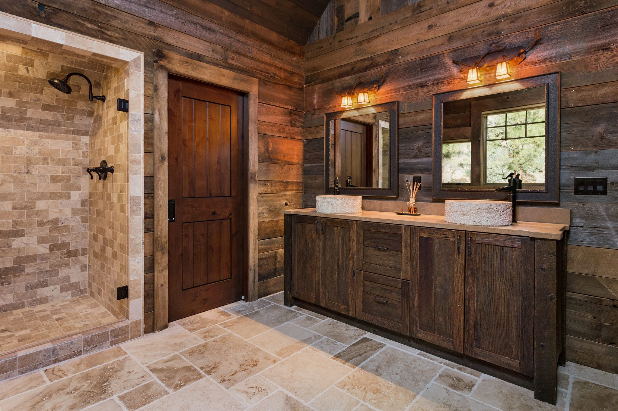 master bathroom in rustic mountain home | Modern master ...