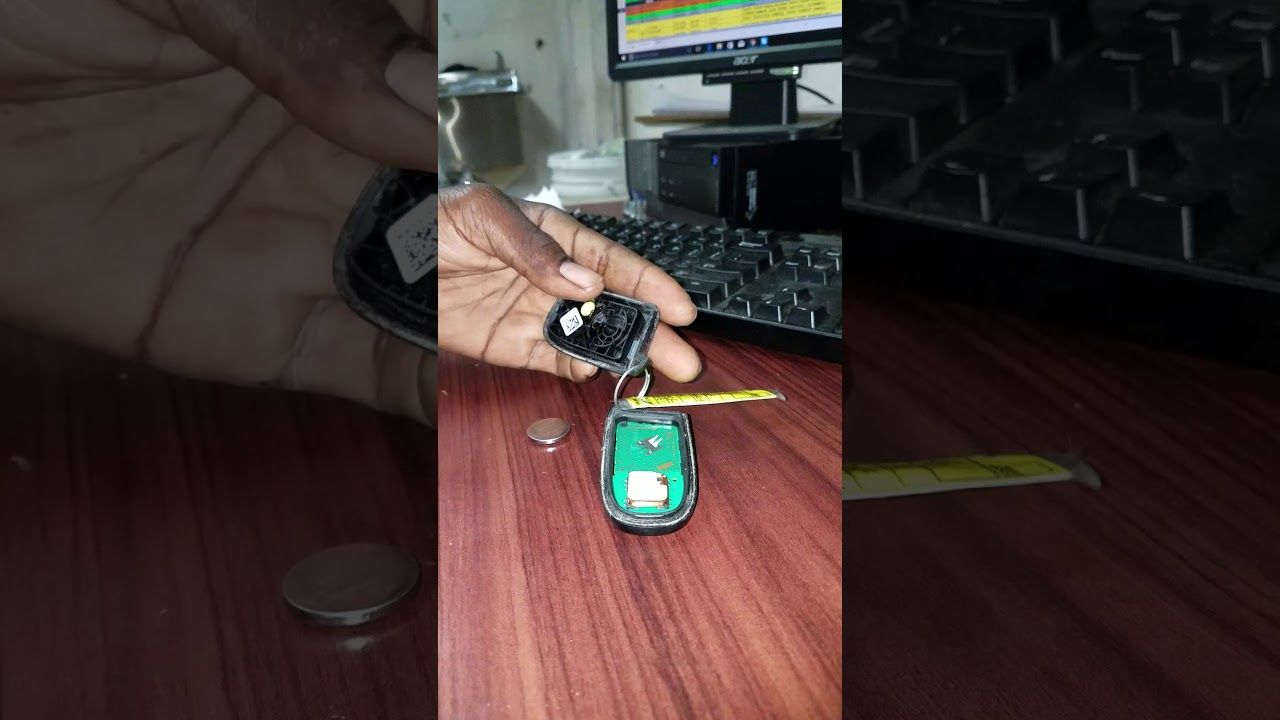 Doge and chrysler and jeep key fab battery change jeep