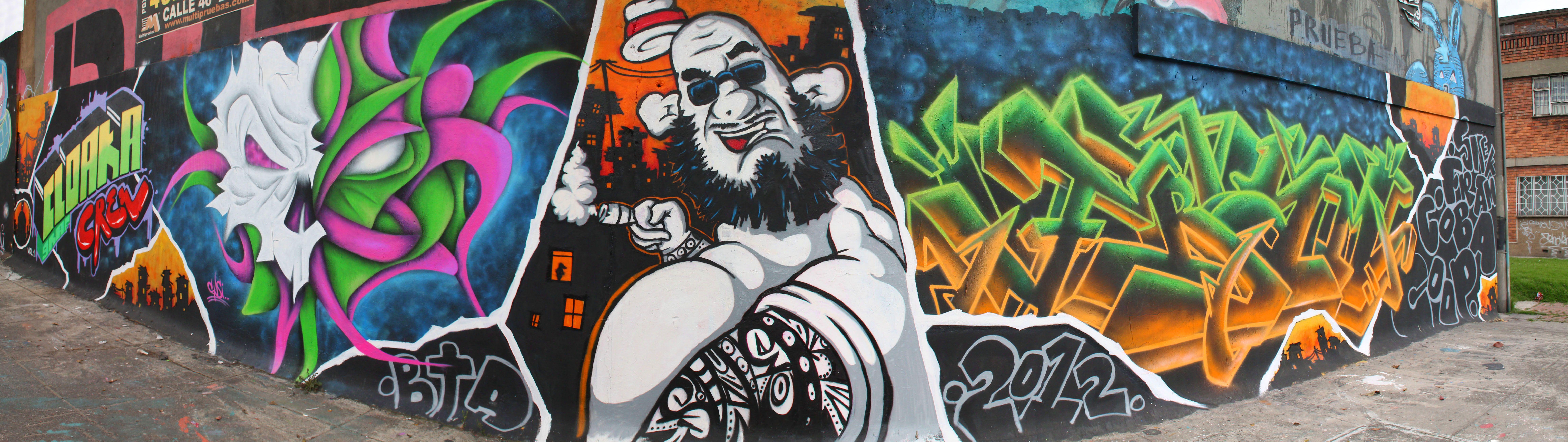 Graffitis en la Cr 30   Fotos: Mauricio Leon