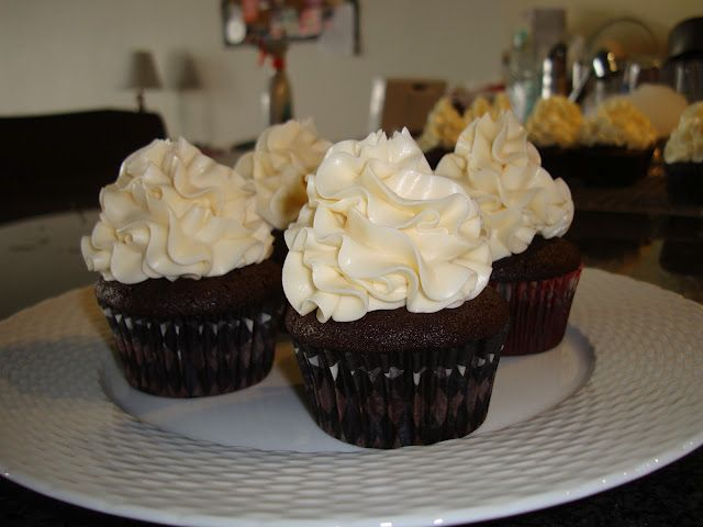 Dulce de Leche Filled Chocolate Cupcakes