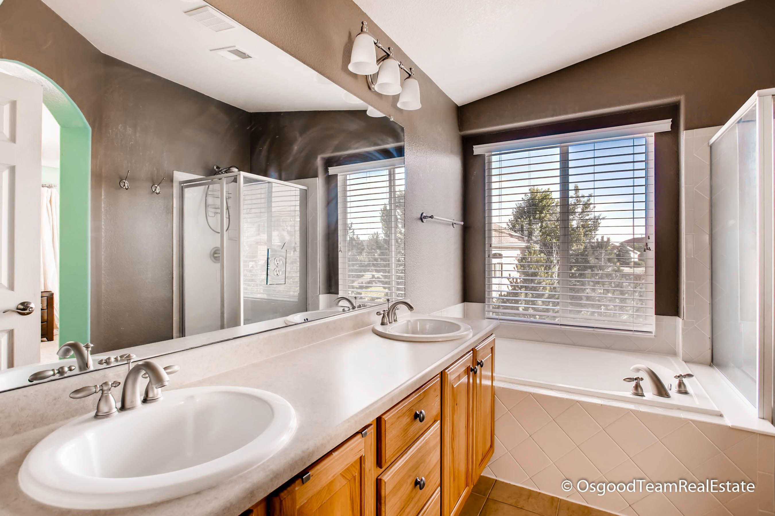 Master bath with dual sinks and large soaking tub | SOLD-3BR/3BA in ...