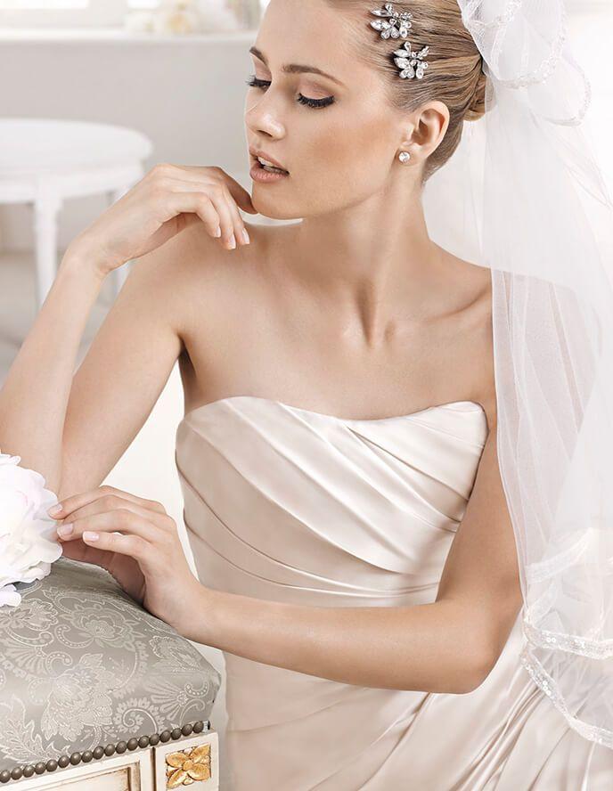 fanal wedding dress pronovias