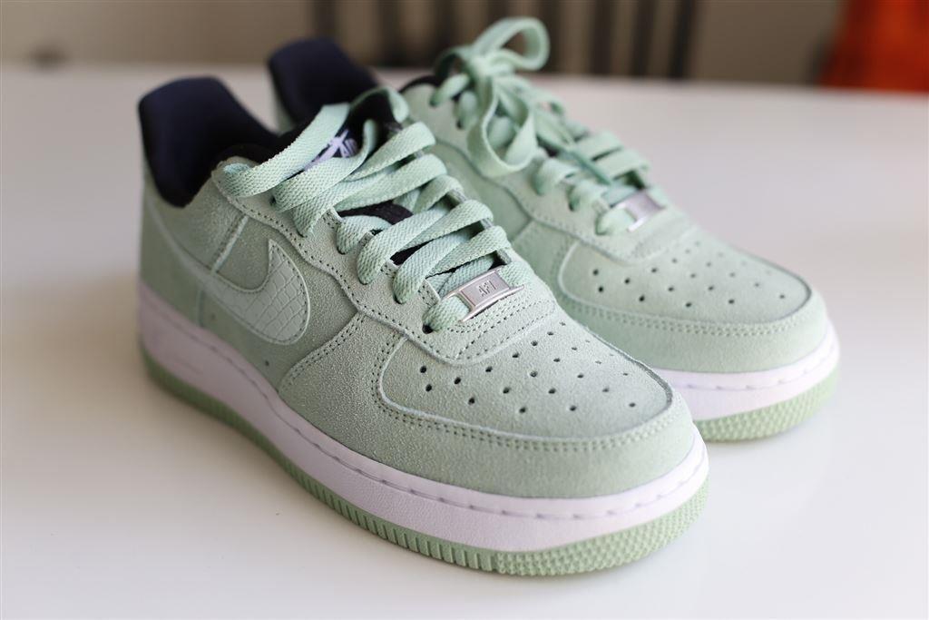 hot sales cf7bd 8f060 Nike Air Force 1 storlek 36 - oanvända! på Tradera.com - Sneakers     Skor   Shoes   Pinterest   Nike, Gymnastikskor och Nike air