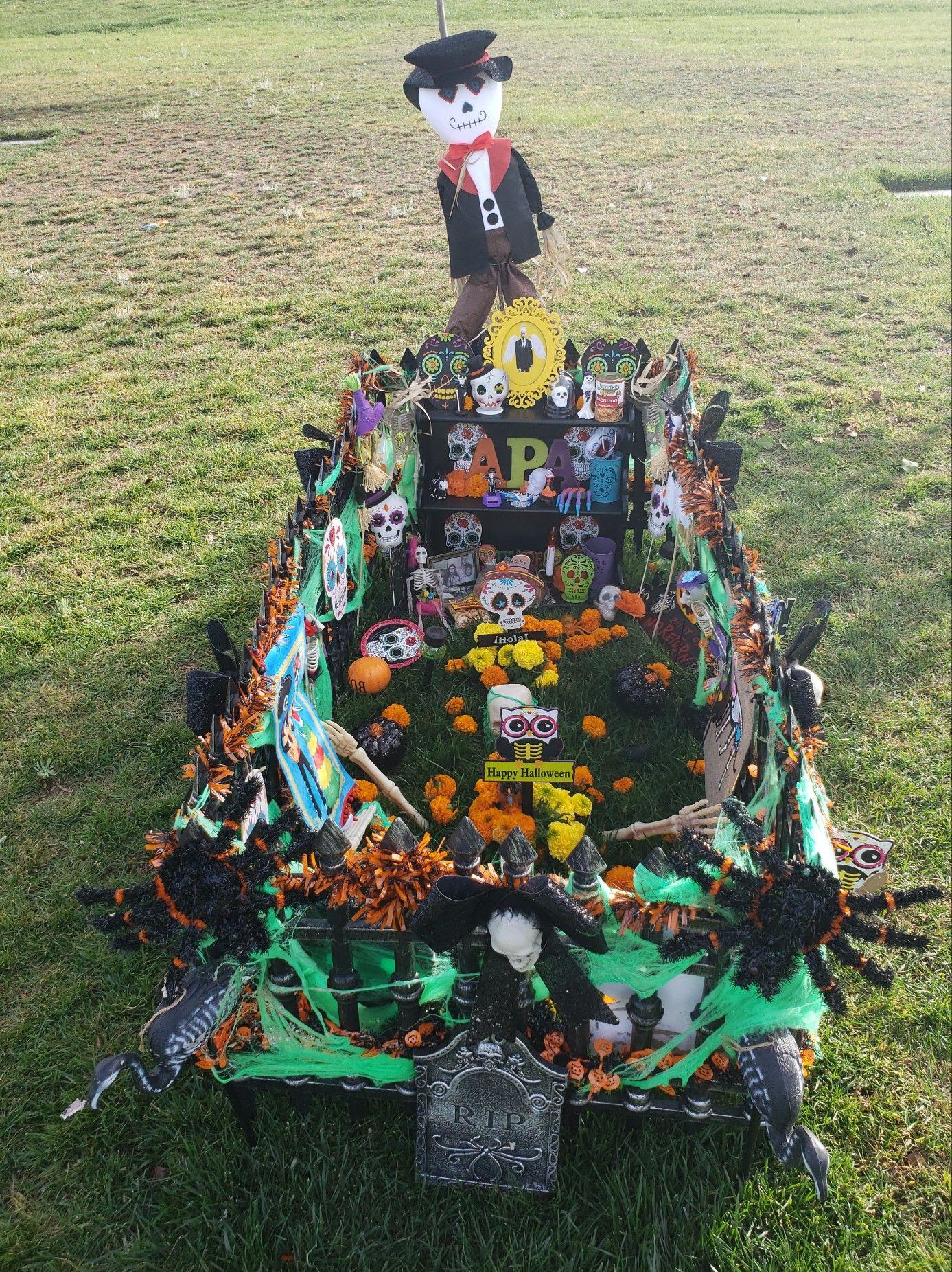 Dia De Los Muertos 2018 Grave Decorations Dad S Decorations At The