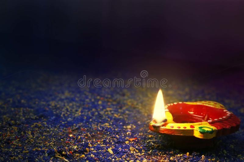 Diwali Oil Lamp Traditional Indian Clay Diya Lamp For Diwali Festival Ad Lamp Traditional Diwali Oil Indian Ad Diwali Oil Lamps Diwali Festival