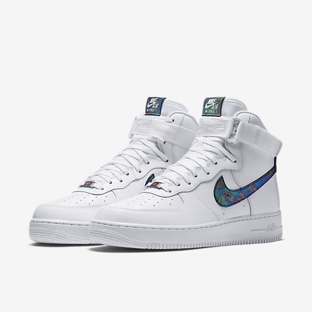 Nike Air Force 1 '07 LV8 men's white trainers with logo