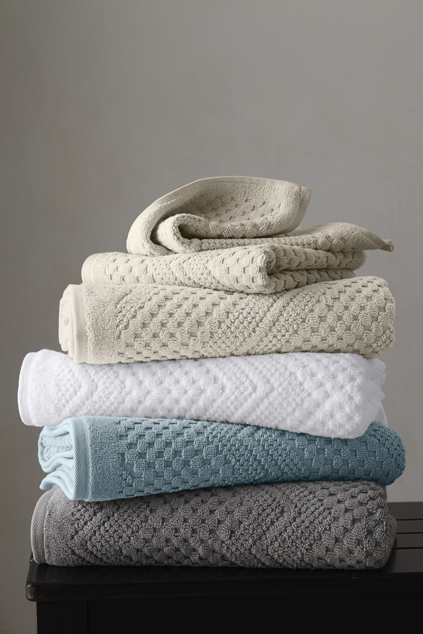 12 Modern Bathroom Towels, Most of the Nicest and also Beautiful