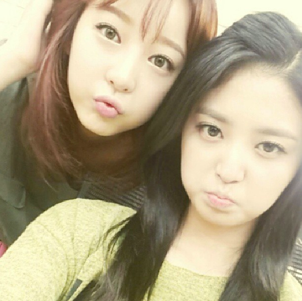 Hyerin with JungHwa