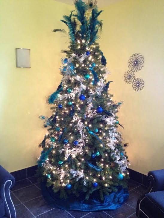 Want a unique Christmas Tree this year? Take ideas from this blue
