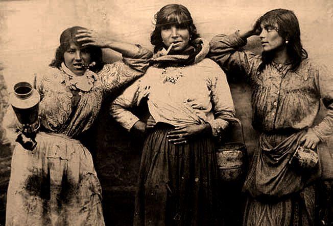 #Roma #Sinti #Gypsies #Bohemians #Travelers