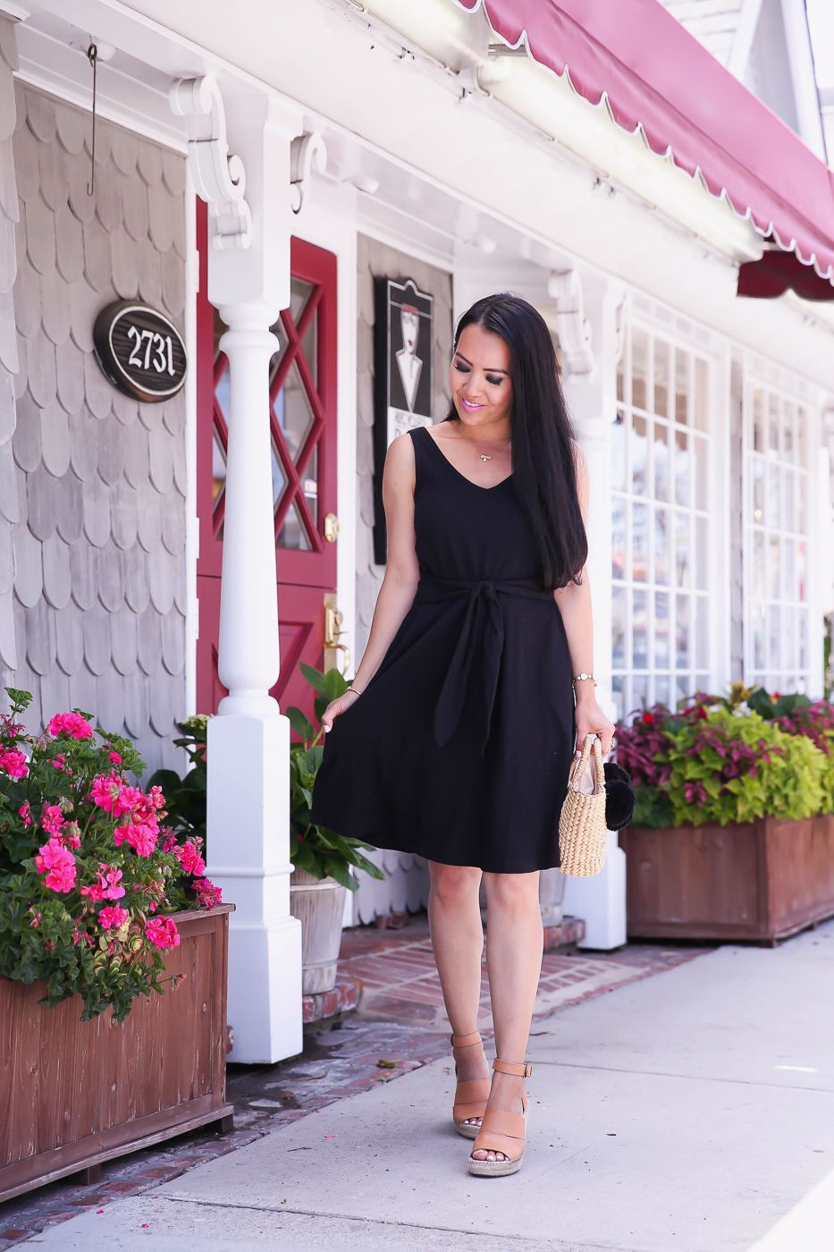 Comfy And Chic Little Black Dress For Summer Stylish Petite Little Black Dress Summer Dresses Dresses [ 1400 x 933 Pixel ]