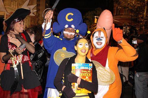 Halloween Parade 2007: Cap\'n Crunch, Tony the Tiger, and Cheerios ...