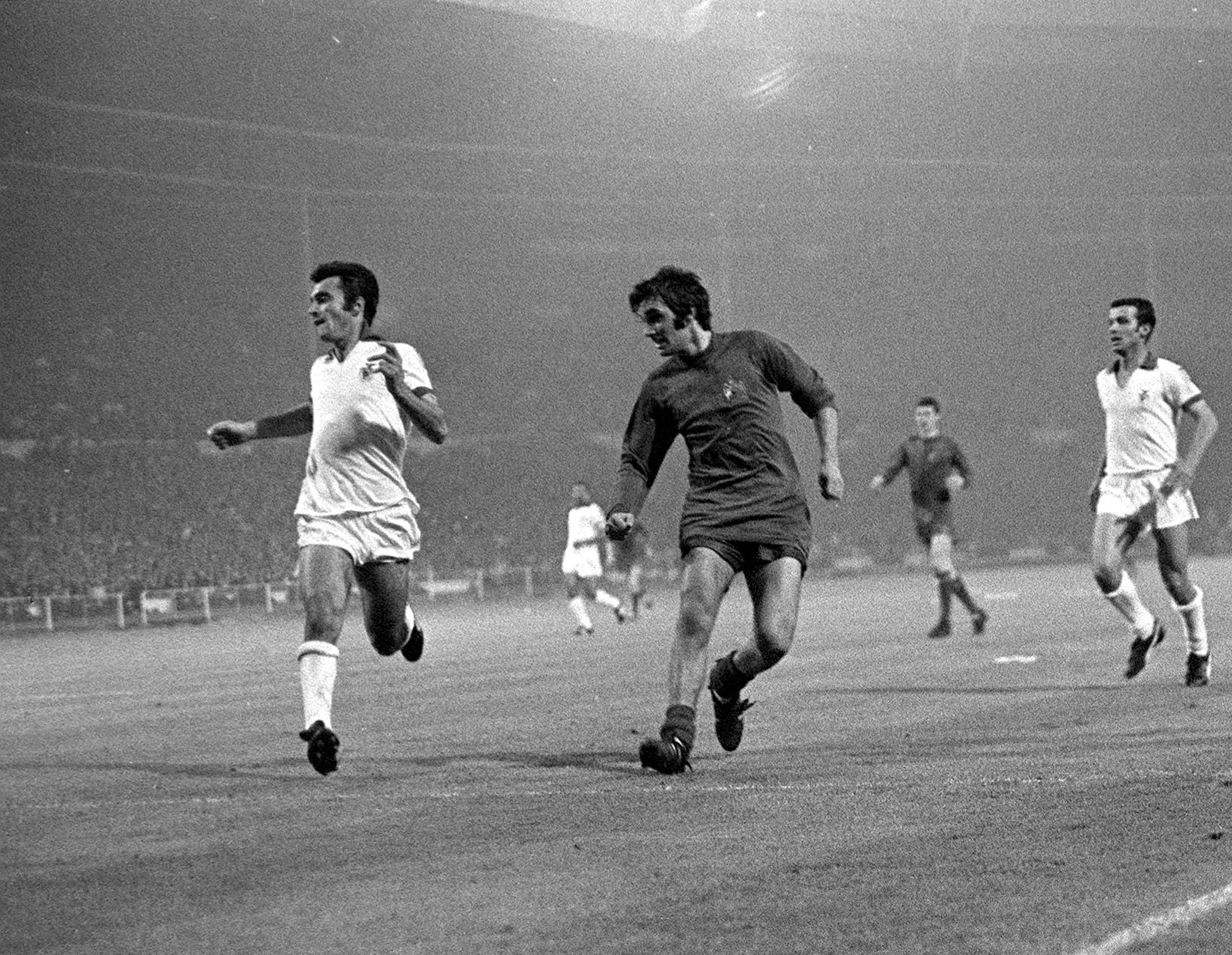 168f15159df  manutd legend George Best prods home the Reds  second goal in the 1968  European Cup final against Benfica.