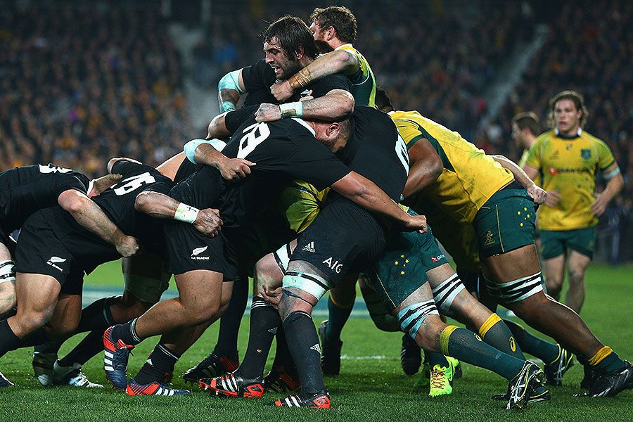 New Zealand S Sam Whitelock Controls A Maul All Blacks Rugby Rugby Men Rugby