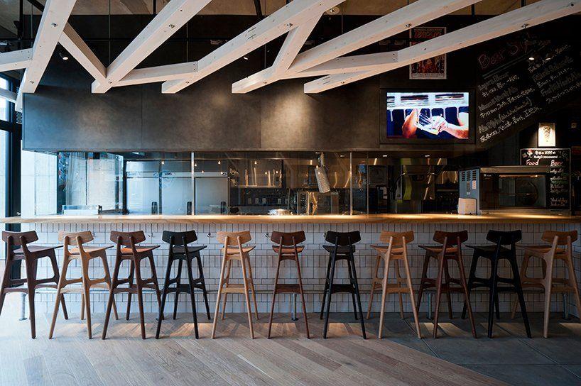 A Study Designs Craft Beer Restaurant Interiors In Fukuoka In 2021 Bar Interior Design Restaurant Interior Study Interior Design