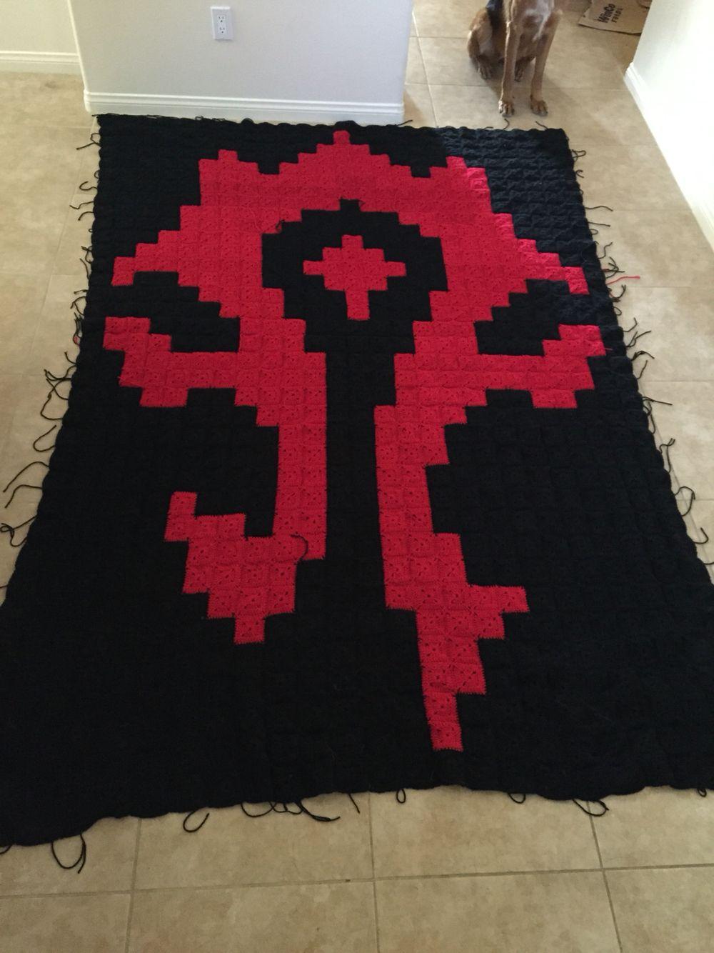 982b0ccd11f World of Warcraft horde symbol crochet blanket.  Www.facebook.com nerdyknits2013