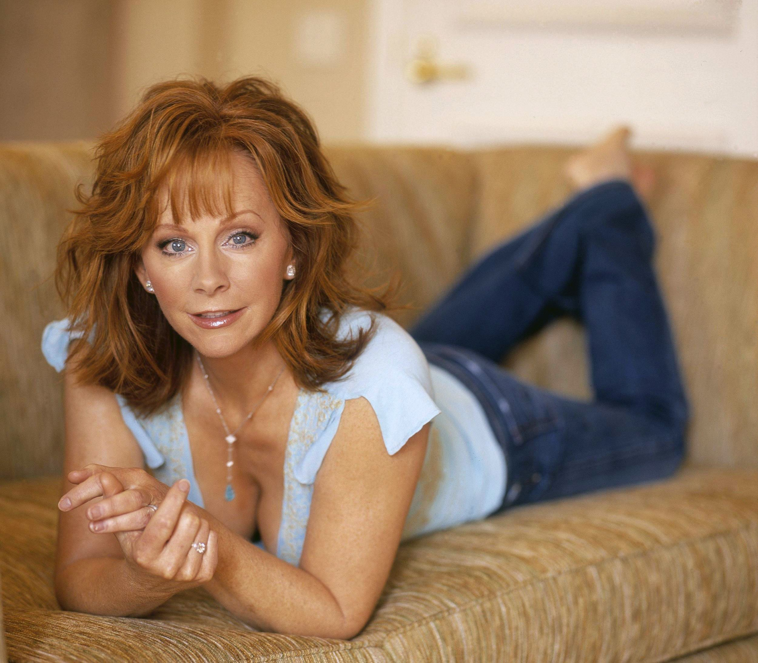reba mcentire naked images