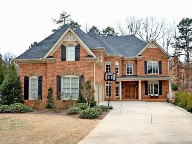 Red Brick House With Metal Roof Bing Images Brick Exterior