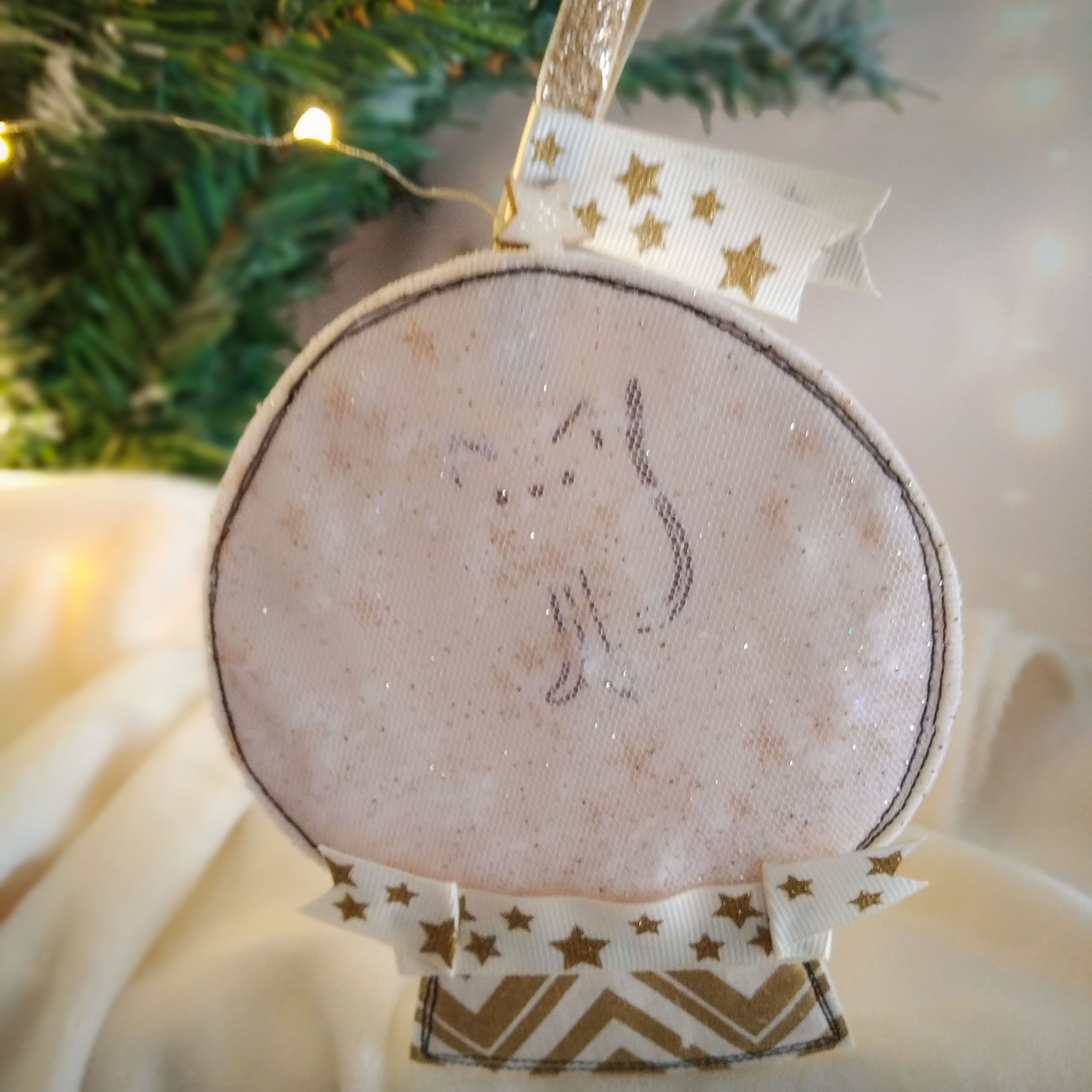 Christmas Snow Globe Fabric Ornament Little Kitten Snow Globe Cute Christmas Tree Ornament Unique Christmas Tree Decor Christmas Gift Christmas Tree Decorations Cute Christmas Tree Christmas Snow Globes