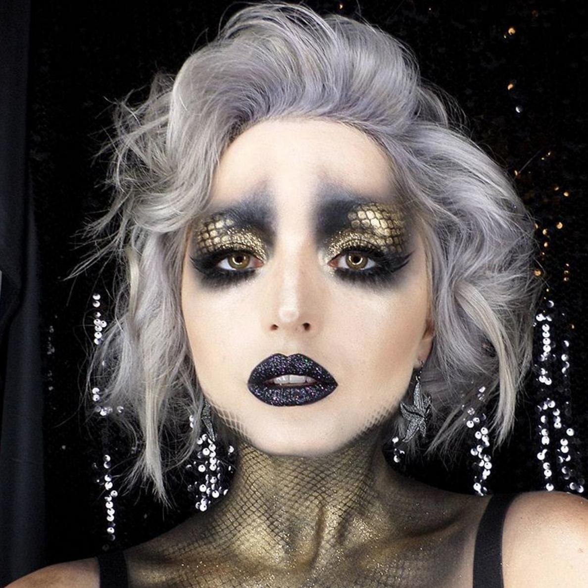 Fashion style Mermaid Dark makeup for lady