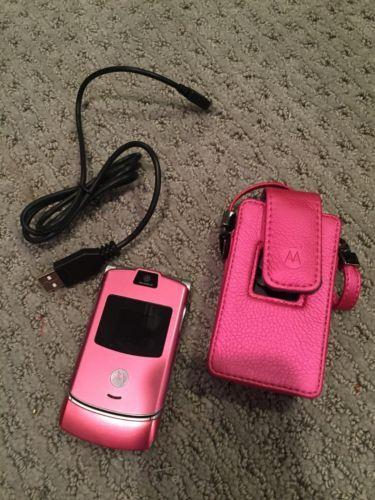 Motorola Razr V3m Pink Cellular Phone For Parts With Bonus Pink Case Bundled In 2020 Cellular Phone Motorola Razr Flip Phones