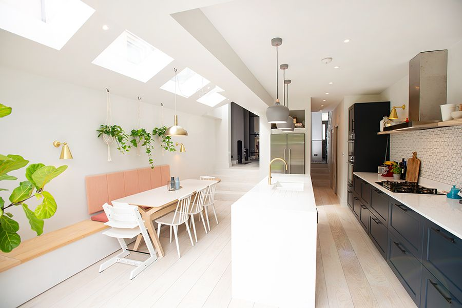 Tremendous Parallel Layout Uding The Wall Bench Dining Table Kitchen Alphanode Cool Chair Designs And Ideas Alphanodeonline