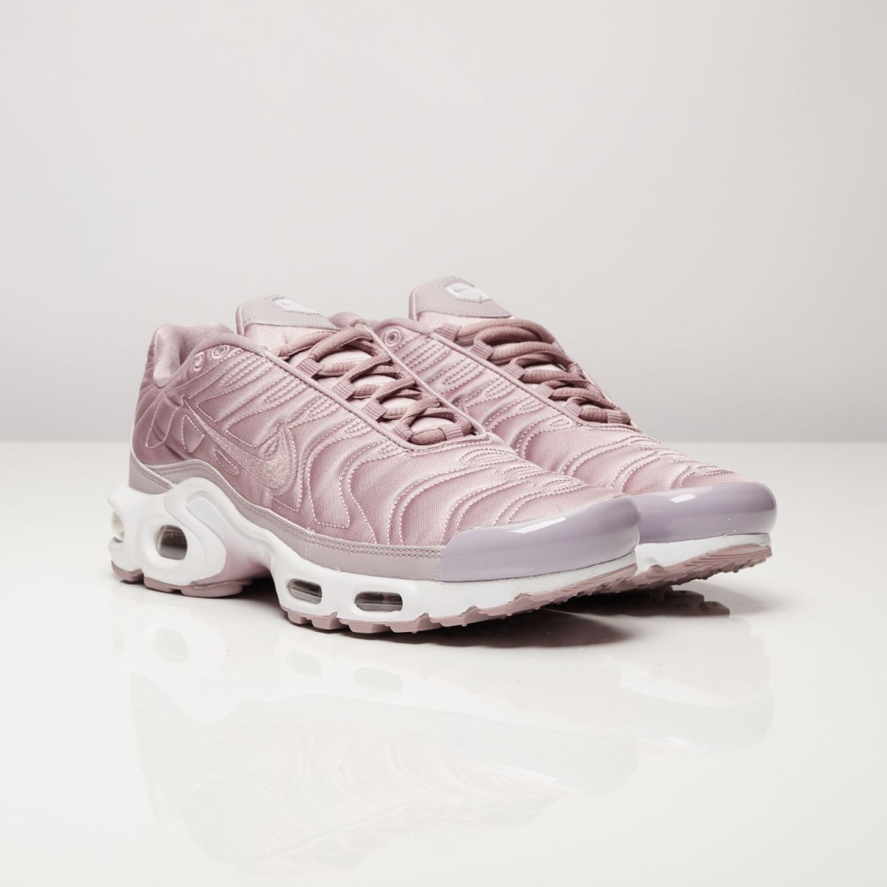 b5940e7b4c soft pink satin nike air max 99 | fashion - sneakers in 2019 | Nike ...