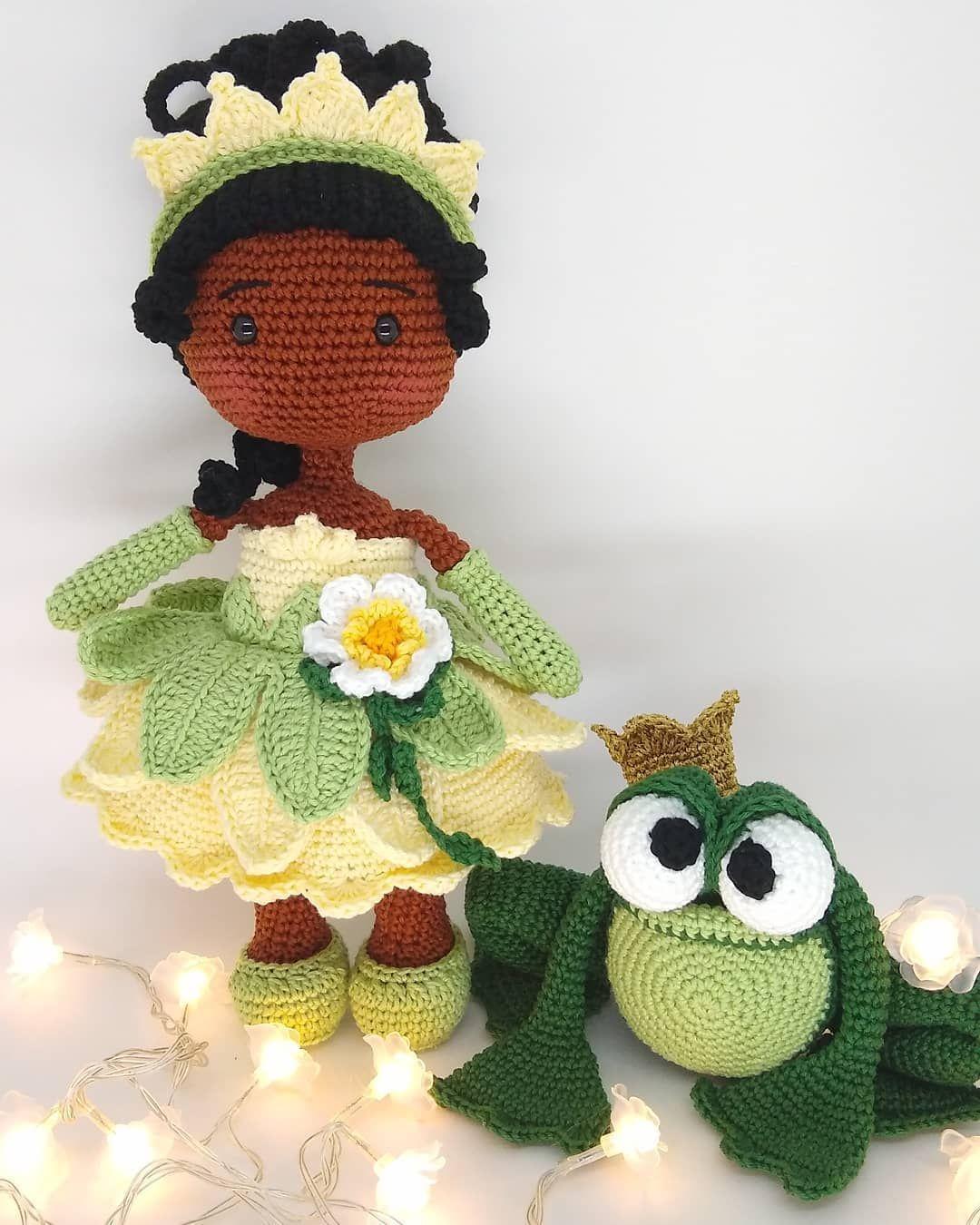 767 Curtidas 99 Comentarios Barroca Atelie Oficial Barroca Atelie No Instagram Tiana A Princesa E O Sapo E Em 2020 Boneca De Crochet Brinquedos De Croche Tiana