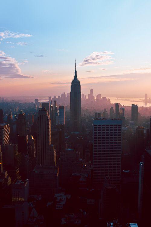 new york city sunrise the horizon is my home pinterest reisen stadt und hintergr nde. Black Bedroom Furniture Sets. Home Design Ideas