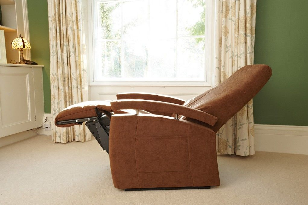 http://www.kirton-healthcare.co.uk/riser-recliners/fitform-570-vario ...