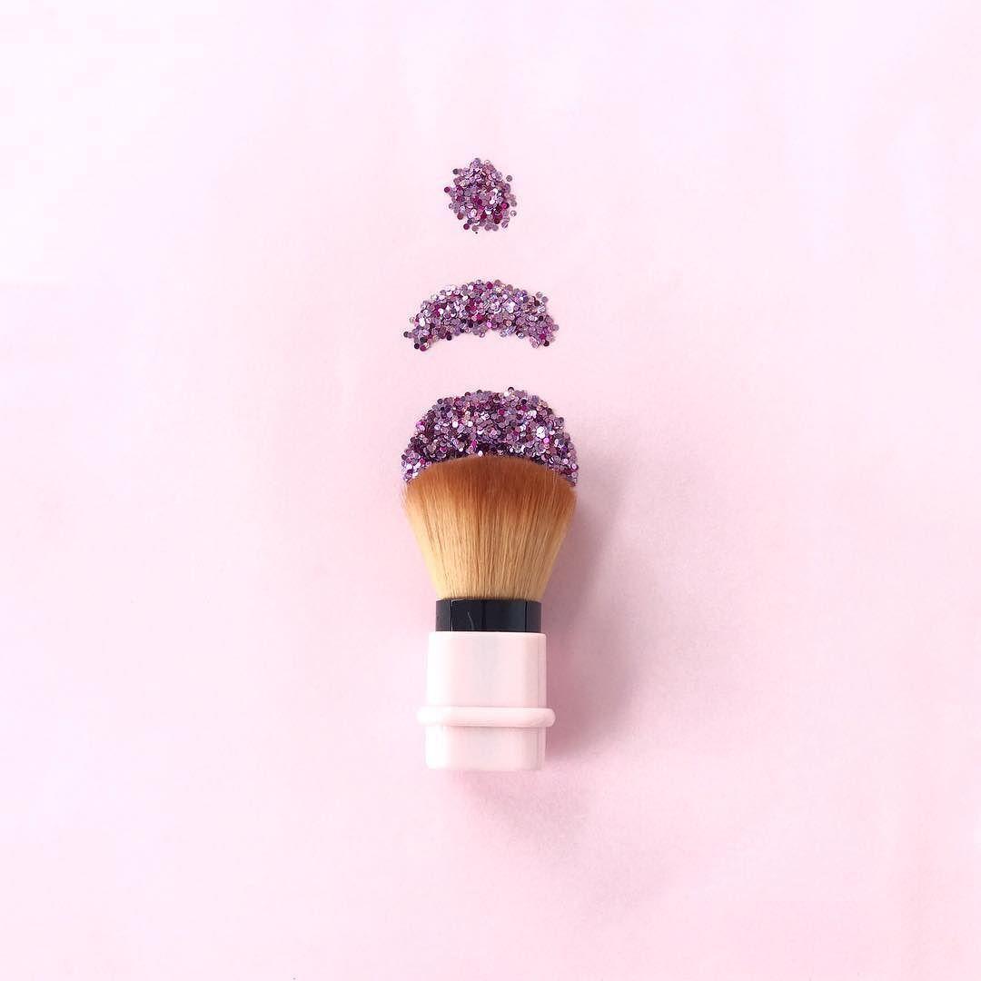 NEW lovely Blush Brushes!!! // Ya conoces nuestras nuevas brochas de maquillaje?! Tienen el tamaño perfecto para ir contigo a todas partes!! Visita www.toystyle.co para conocer los detalles LINK en BIO #toystyle #new #beautyboosters #blush #brush #pink #pastel #shine #glitter #makeuptools