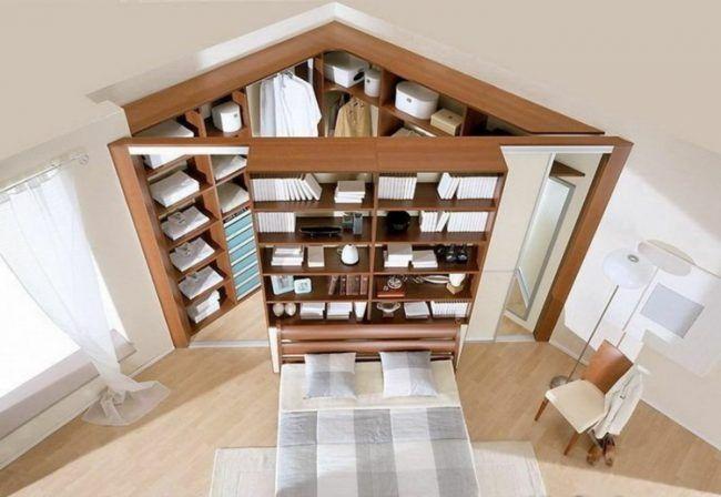 ecke-sinnvoll-nutzen-schlafzimmer-begehbarer-kleideerschrank-holz