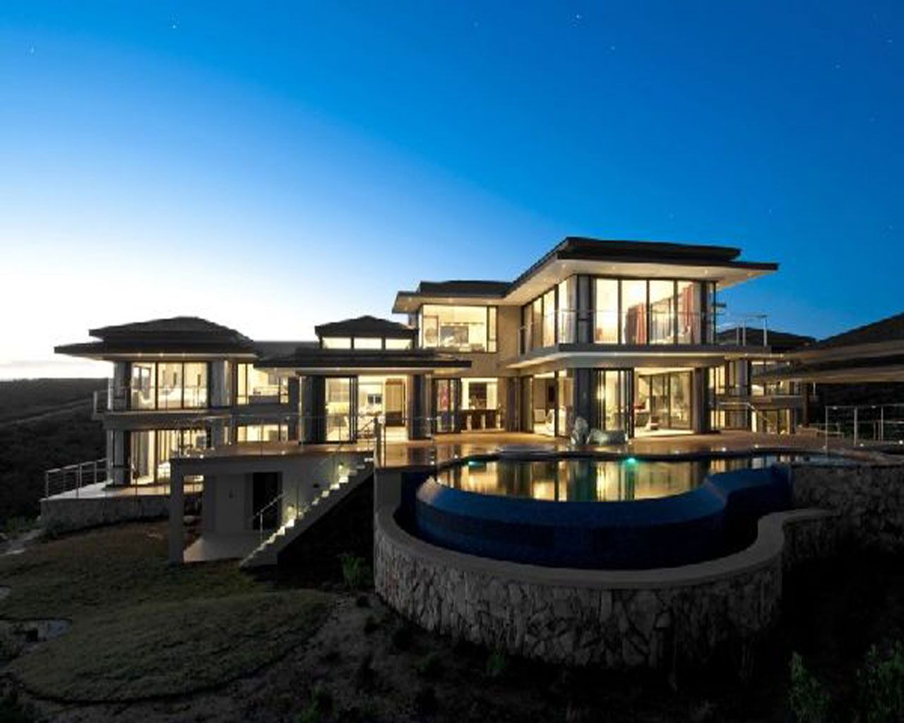 Beautiful modern mansions images for Beautiful modern homes photos