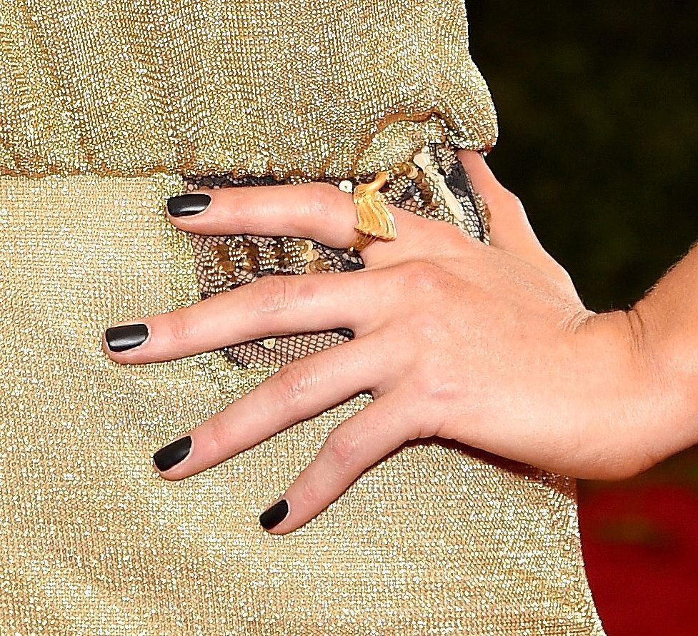 See the Best Fall Nail Trends From the American Music Awards Red ...