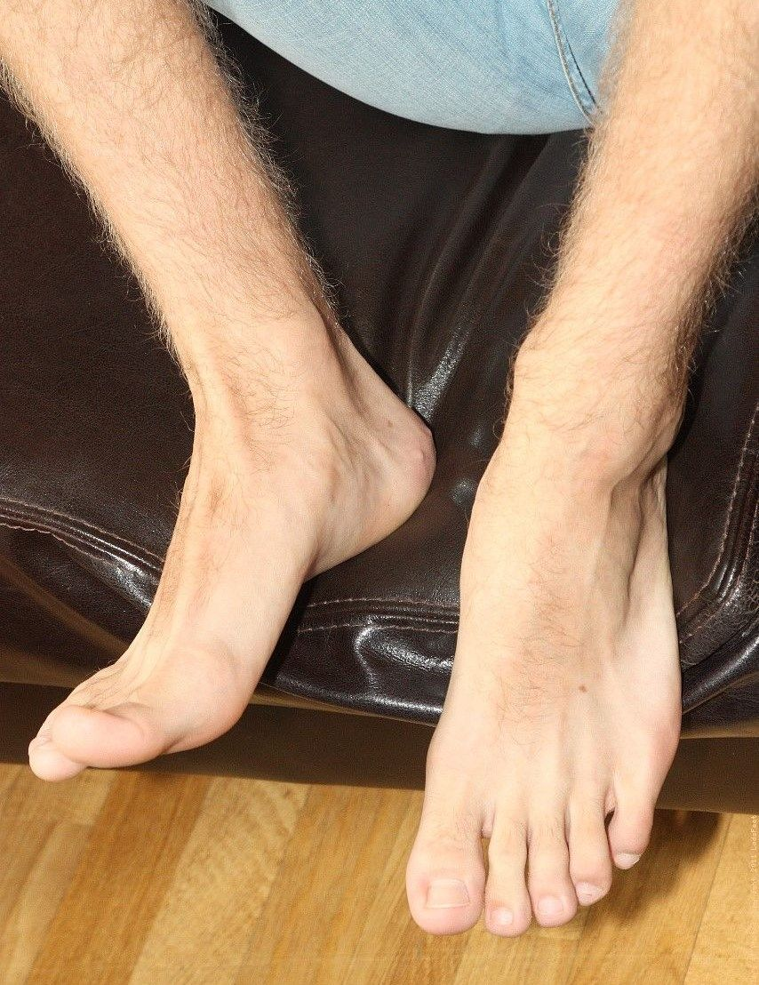 Have quickly Sexy toes black flip flops
