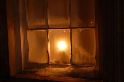 window candles country christmas glow amber warm