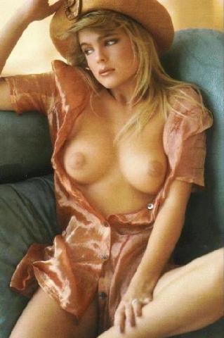 erika eleniak naked sex pics