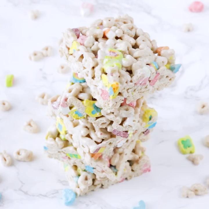 Lucky Charm Marshmallow Treats #marshmallowtreats