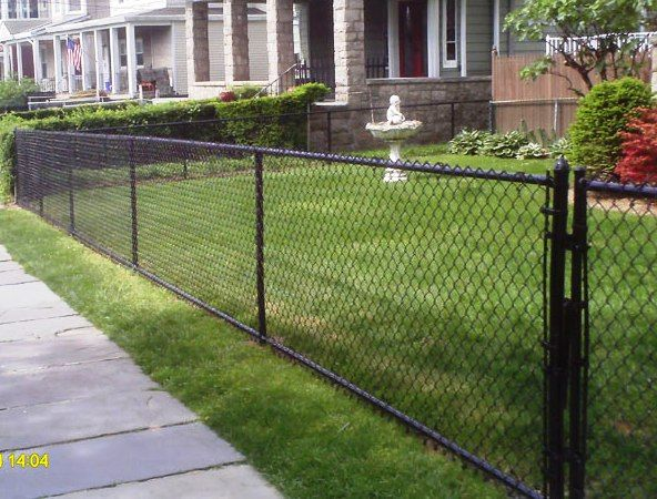 All Vinyl Black Chain Link Fence With Images Modern Fence