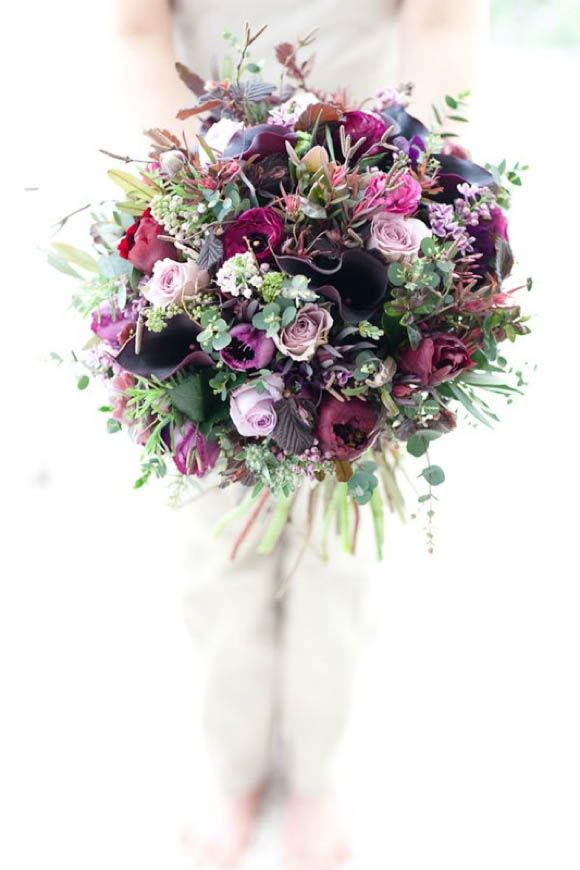 Unique and Enchanting Wedding Flowers- there's something I love about this