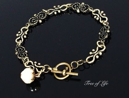 LADIES SOFT TONED BRASS CHAIN BRACELET WITH FRESH WATER PEARL DROP