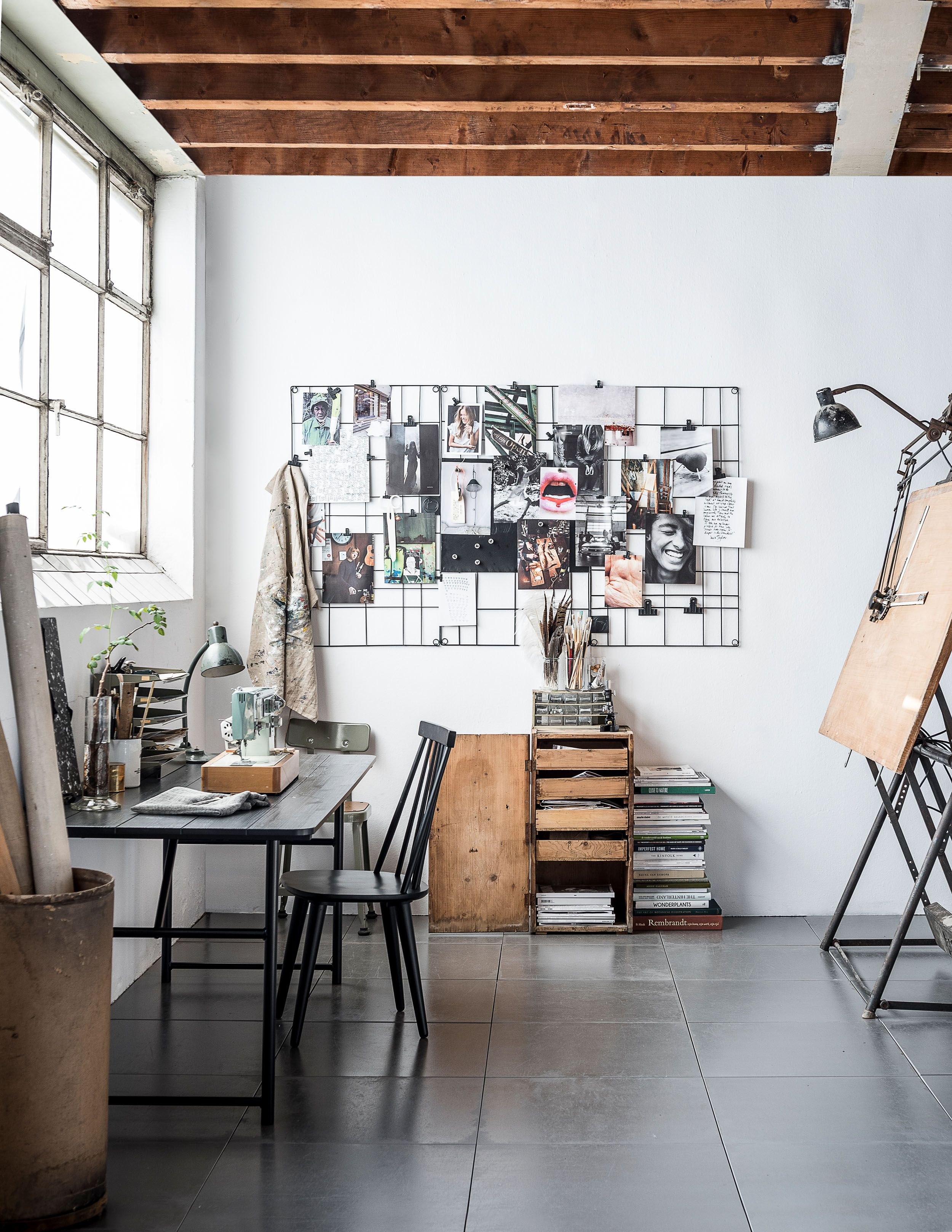 Catalogus Vtwonen 2017 Fotografie Sjoerd Eickmans Styling Kim Van Rossenberg Art Studio Room Design Studio Office Art Studio At Home