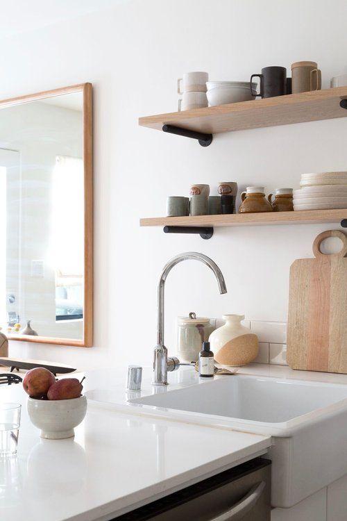 kitchen white wood shelves. Küche einrichten skandinavisch modern ...