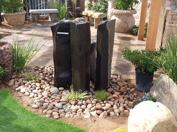 Garden and landscaping photos landscape stone ideas for Stone landscaping ideas