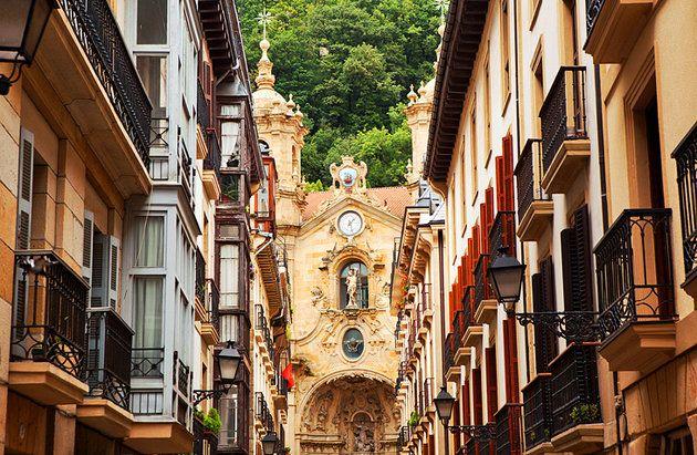 Parte vieja old town san sebastian spain pinterest viejitos and santos - San sebastian tourist office ...