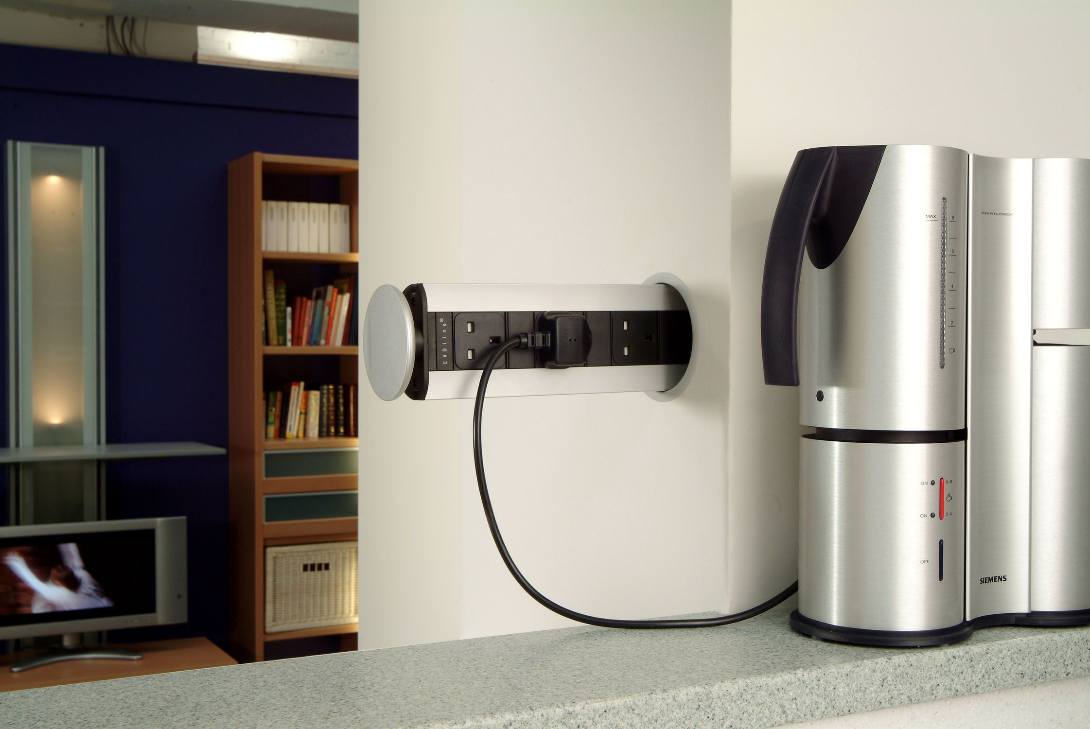 EVOline Pop-Up socket can be fitted in a variety of ways ...