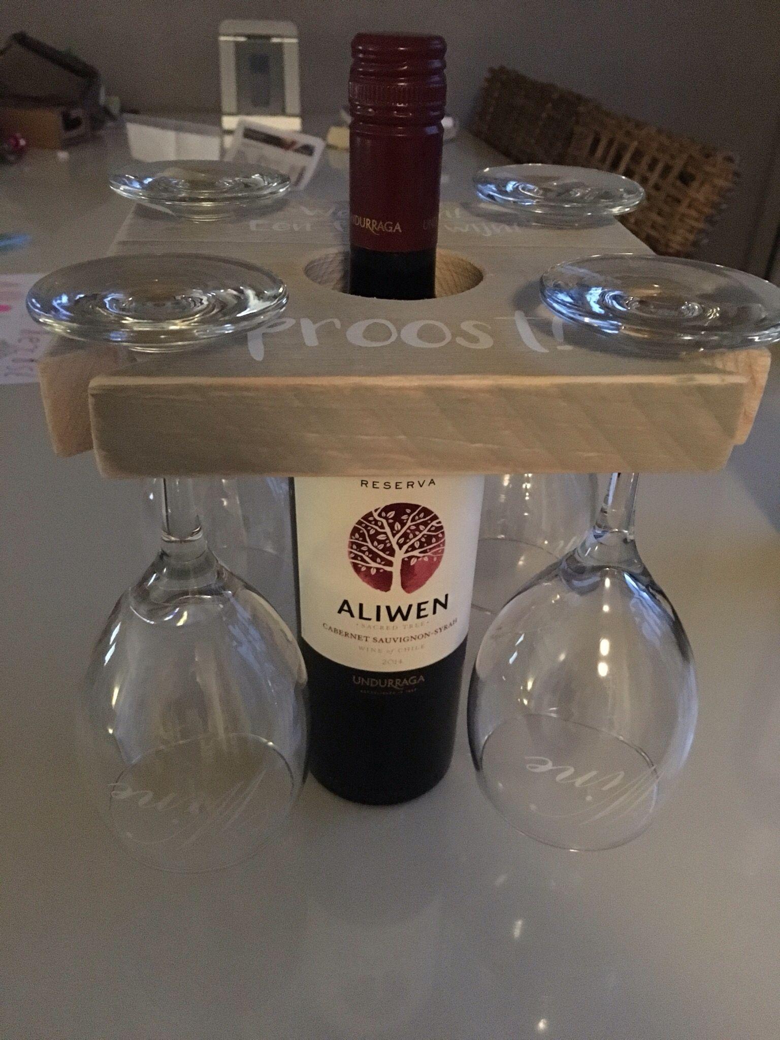 Glazen Plankjes Voor Aan De Muur.Steigerhouten Plankje Voor Wijn En Vier Glazen Knutselen