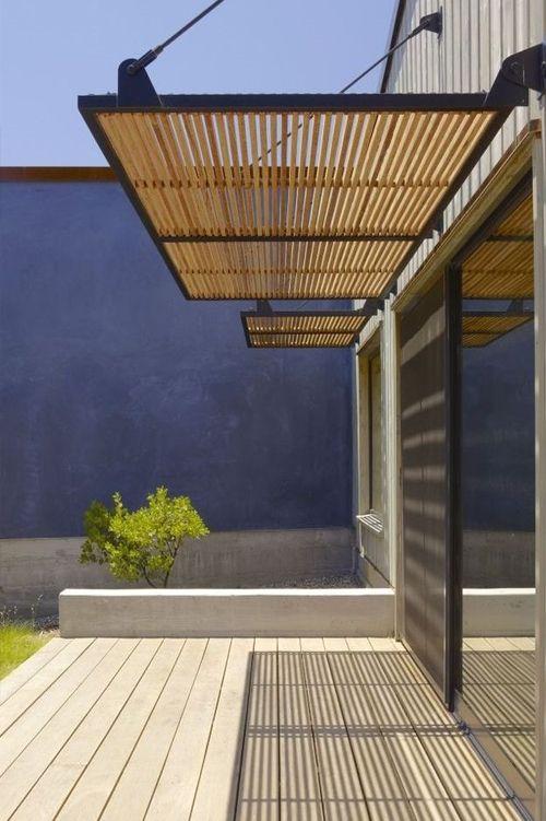 Porche de madera para salvar el calor del verano y conseguir una - sombras para patios
