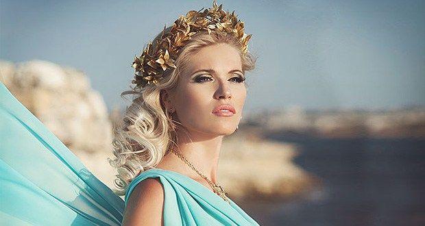El look de la mujer griega siempre ha deleitado los corazones de todos, porque era una mujer elegante, majestuosa y encantadora. Esta creación celestial no pasa desapercibida en el flujo cotidiano. Tal vez por eso las mujeres modernas comenzaron a mostrar un creciente interés por los adornos en estilo griego, porque un simple traje puede …