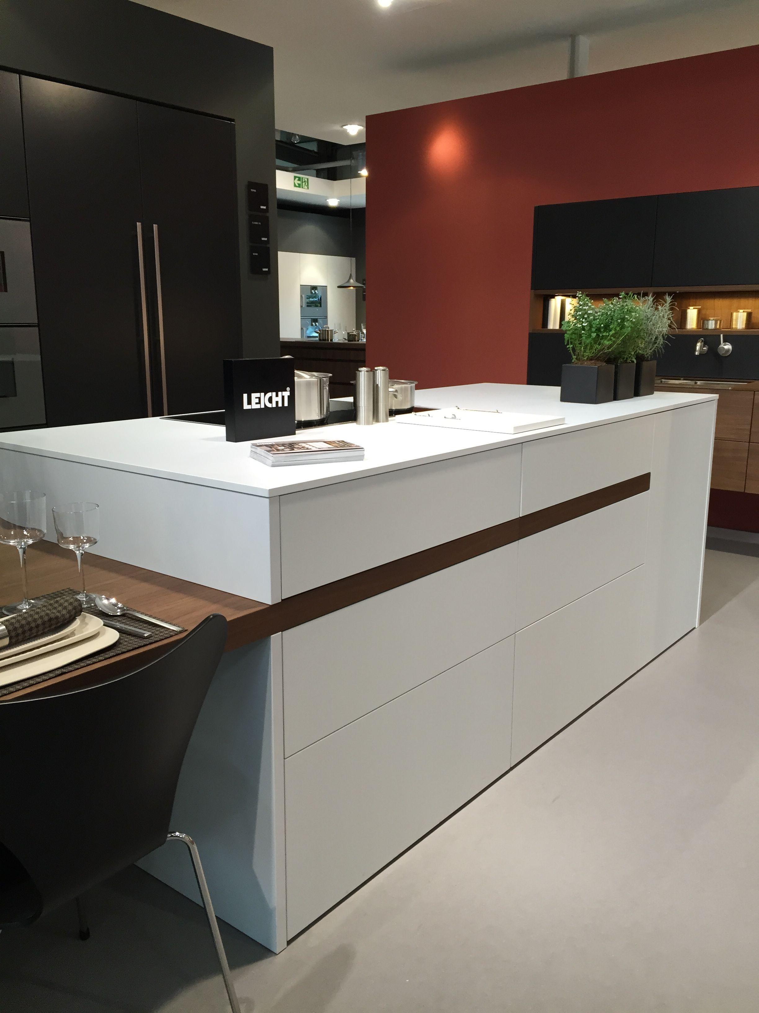 Smart Design Keukens : Smart design ziet u de plinten wauw wat een keuken tafelblad